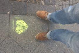 Herz vor die Füße